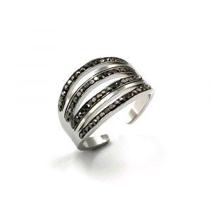 Δαχτυλίδι ατσάλι ασημί με άνοιγμα και τέσσερις σειρές από μαύρες πέτρες ζιργκόν